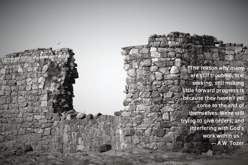 broken-rampart-wall-sindhudurg-island-fort_Fotor